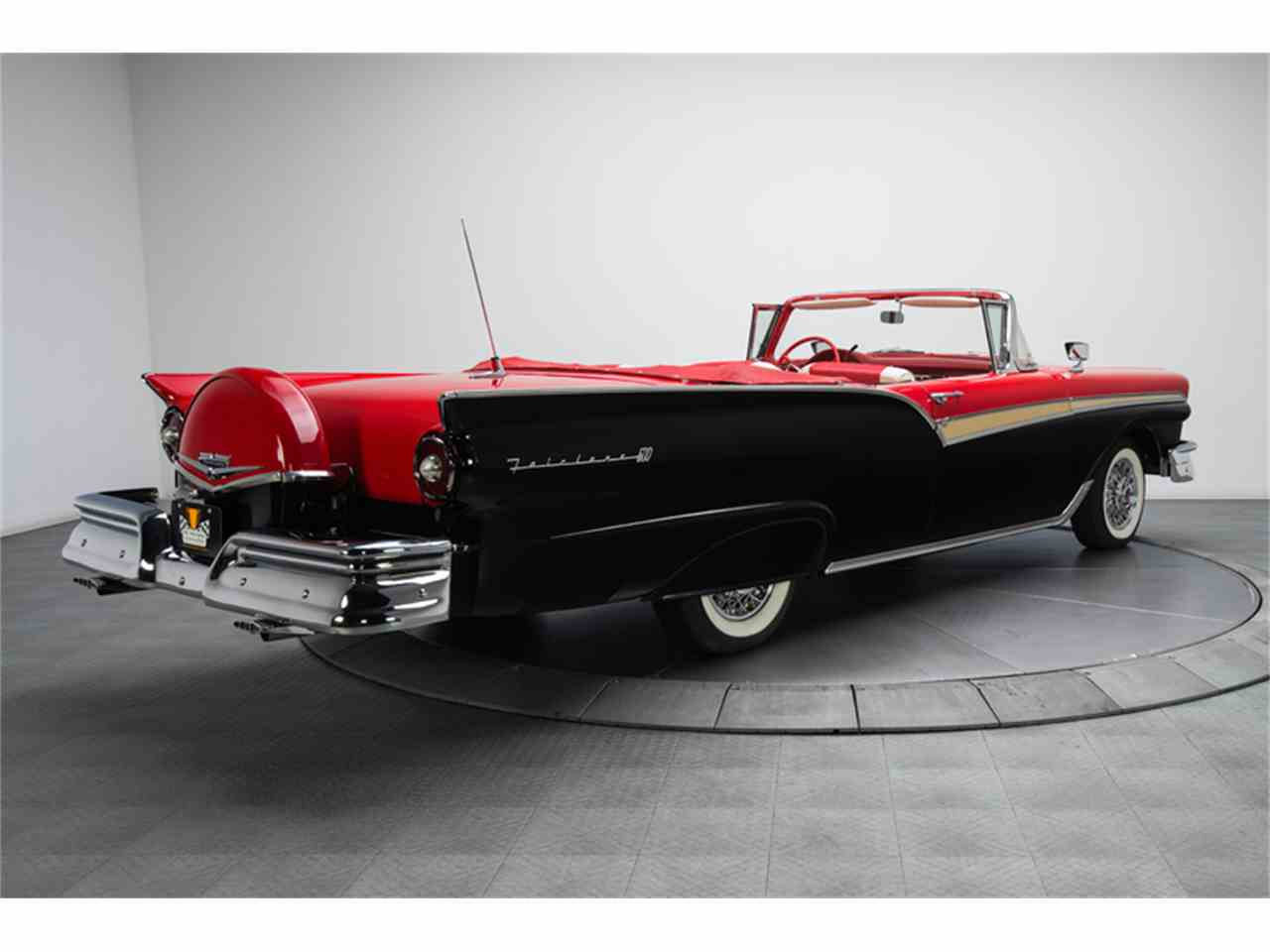 Large Picture of Classic '57 Fairlane 500 located in Charlotte North Carolina - $94,900.00 - LT6X