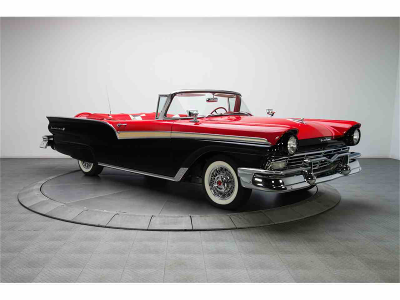 Large Picture of 1957 Ford Fairlane 500 located in North Carolina - LT6X