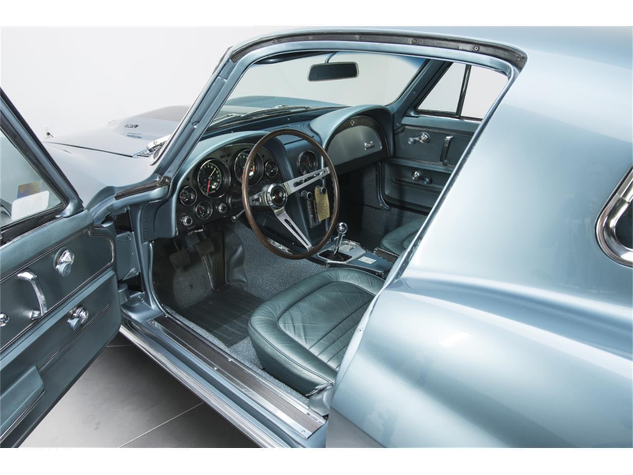Large Picture of '67 Corvette Stingray - LT91
