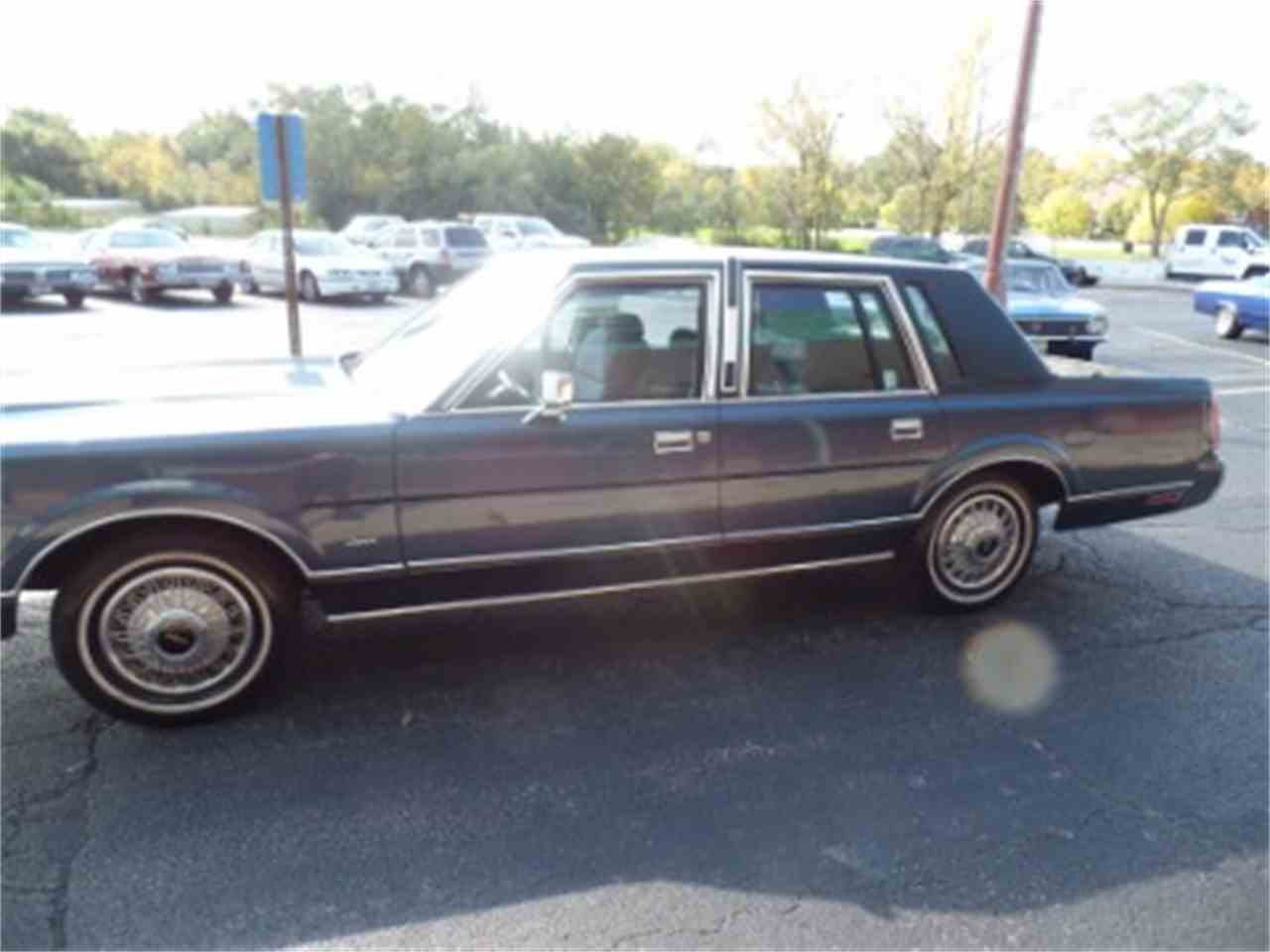 Large Picture of 1987 Town Car Offered by North Shore Classics - LTML