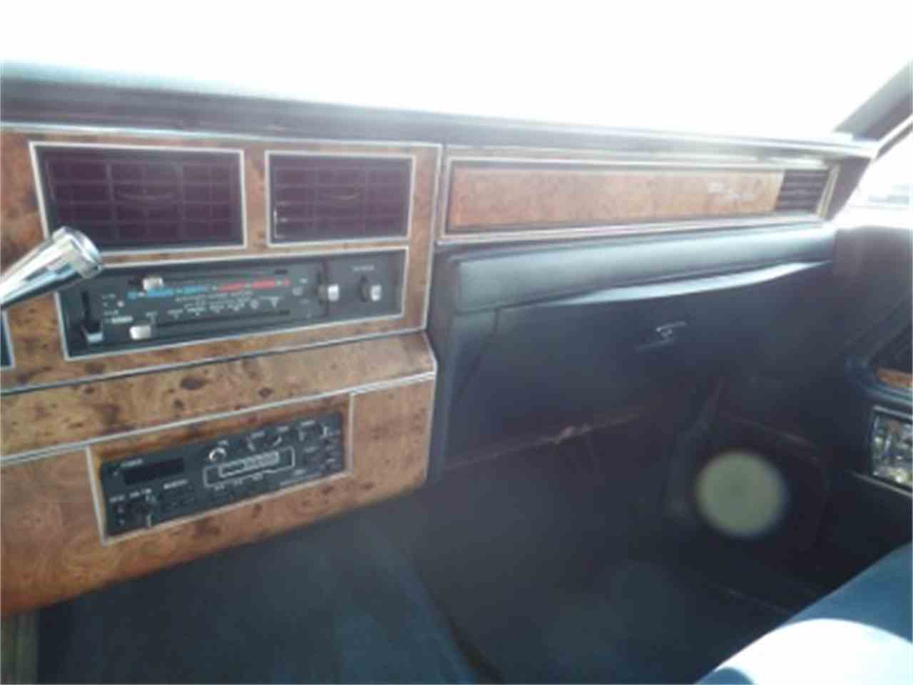 Large Picture of '87 Lincoln Town Car located in Illinois - LTML