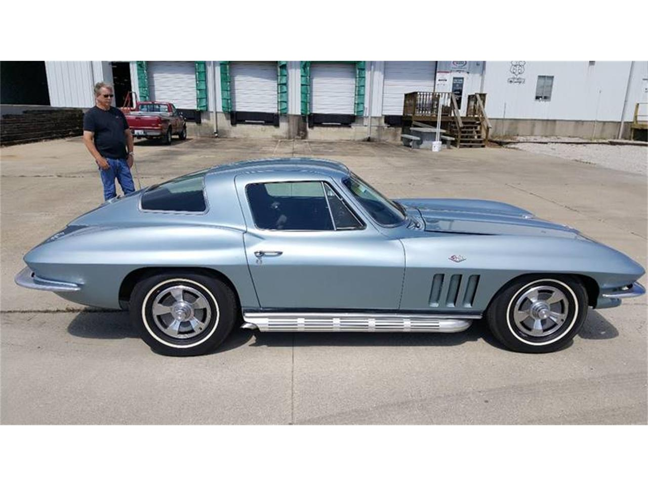 Large Picture of '66 Corvette - LNYC