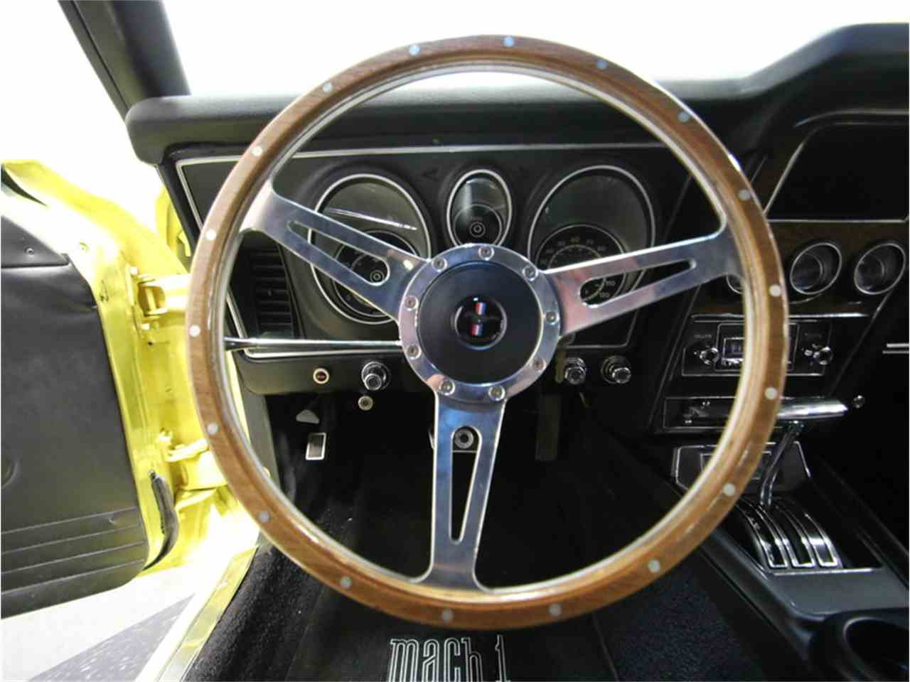 Large Picture of '73 Mustang Mach 1 Offered by Streetside Classics - Nashville - LTOR