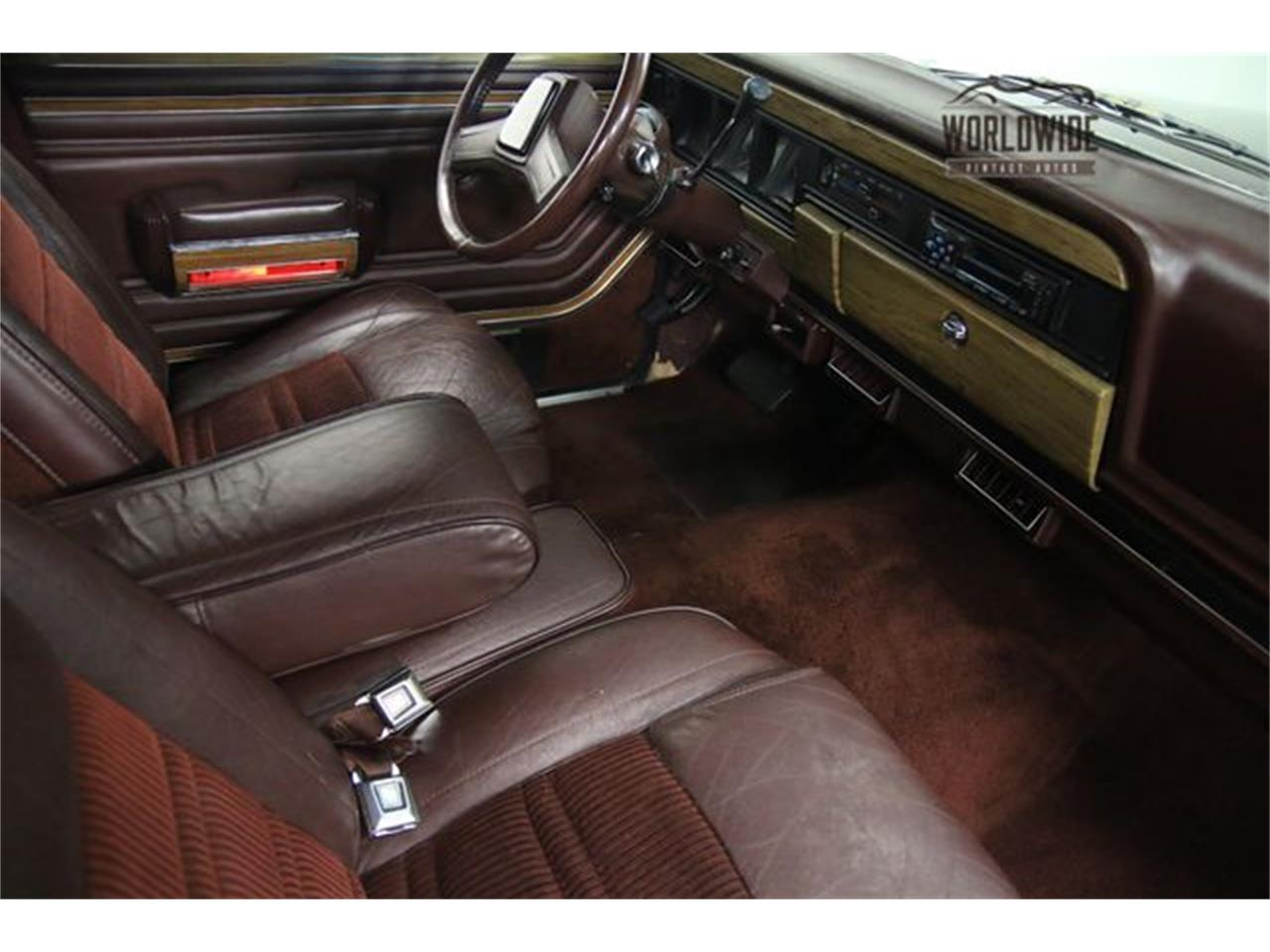Large Picture of 1990 Jeep Wagoneer - LTP2