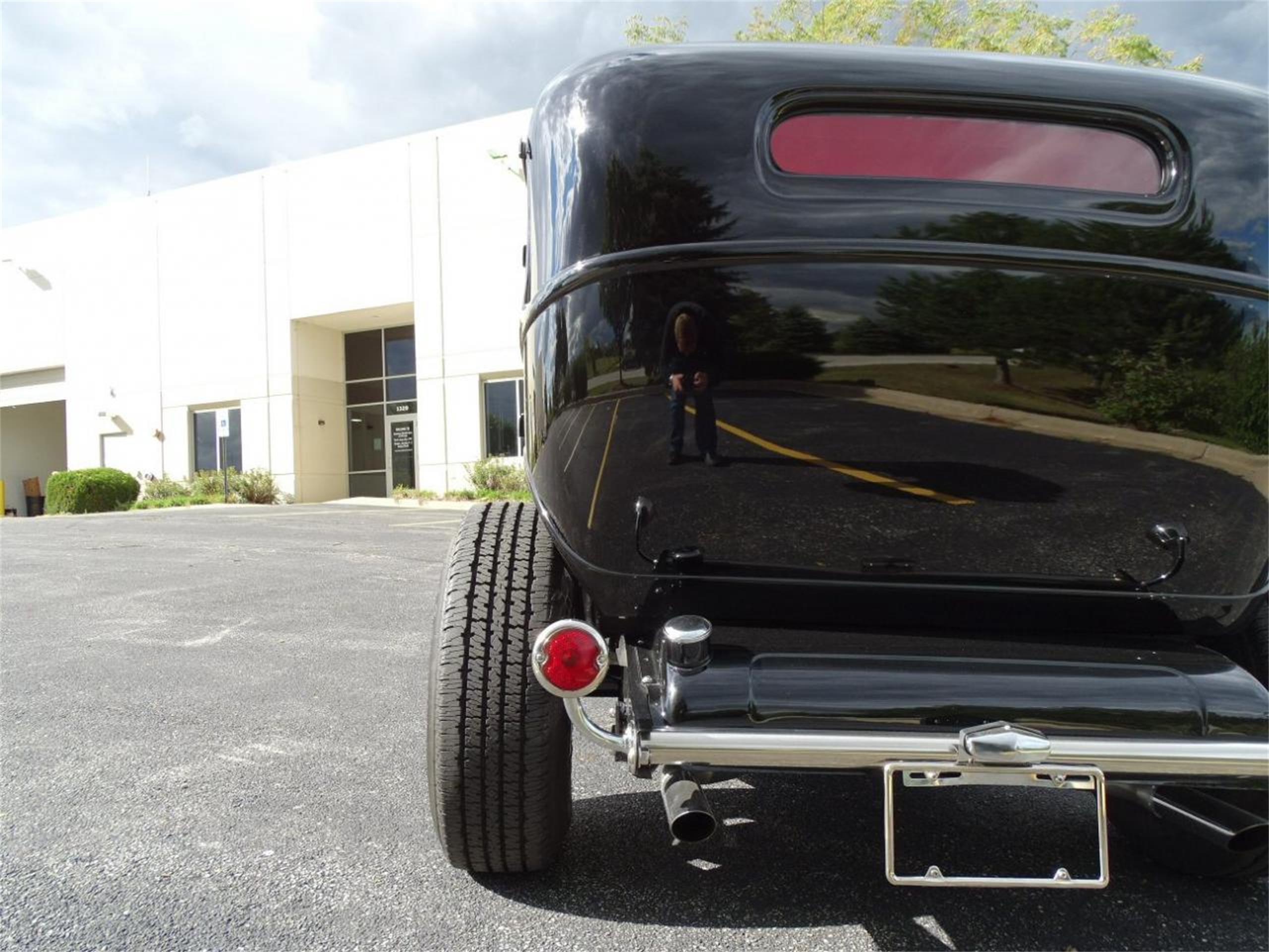 Large Picture of '32 4-Dr Sedan - LTPB