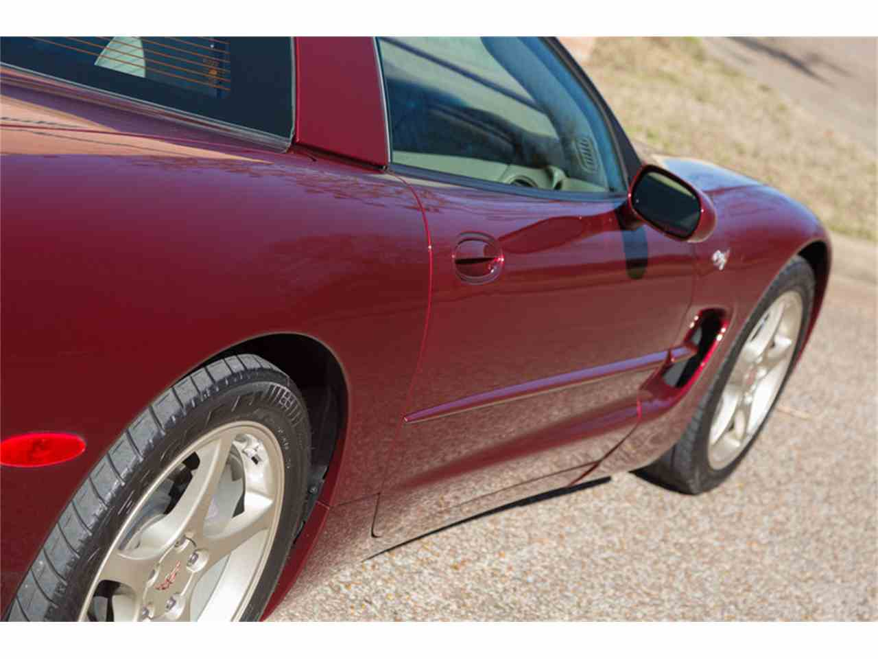Large Picture of '03 Chevrolet Corvette located in Tennessee - $25,900.00 Offered by Art & Speed - LTSQ