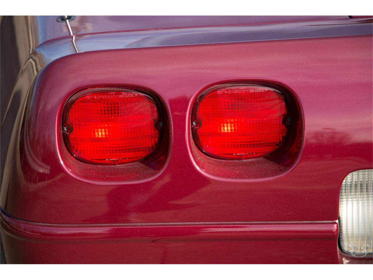 Large Picture of '93 Chevrolet Corvette located in Tennessee - $11,900.00 Offered by Art & Speed - LTTZ