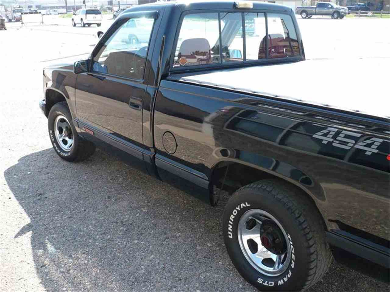 Large Picture of 1990 Chevrolet C/K 1500 located in Scottsbluff Nebraska - $20,500.00 Offered by Steve's Auto Sales Inc. - LU03