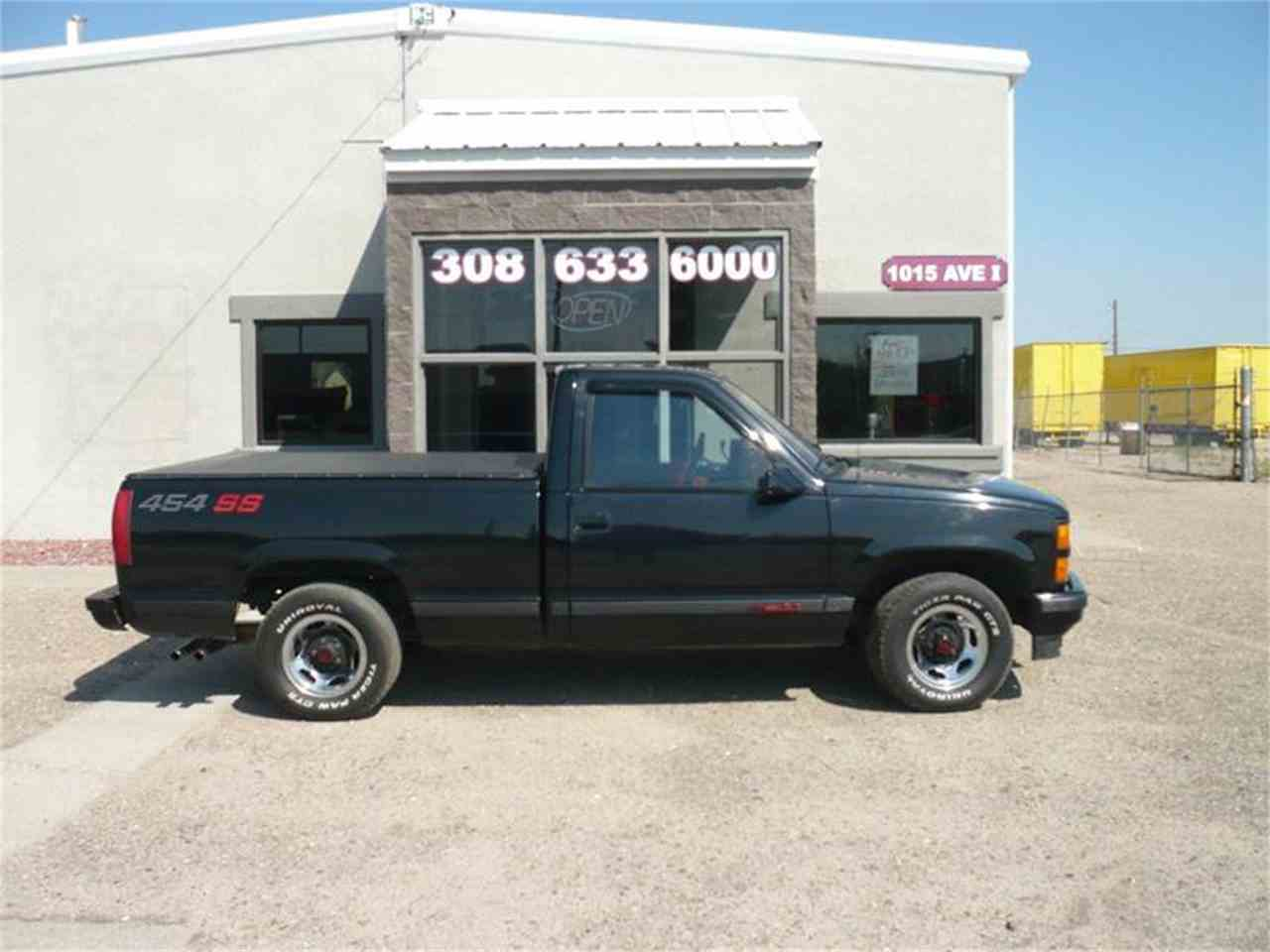 Large Picture of 1990 Chevrolet C/K 1500 - $20,500.00 Offered by Steve's Auto Sales Inc. - LU03