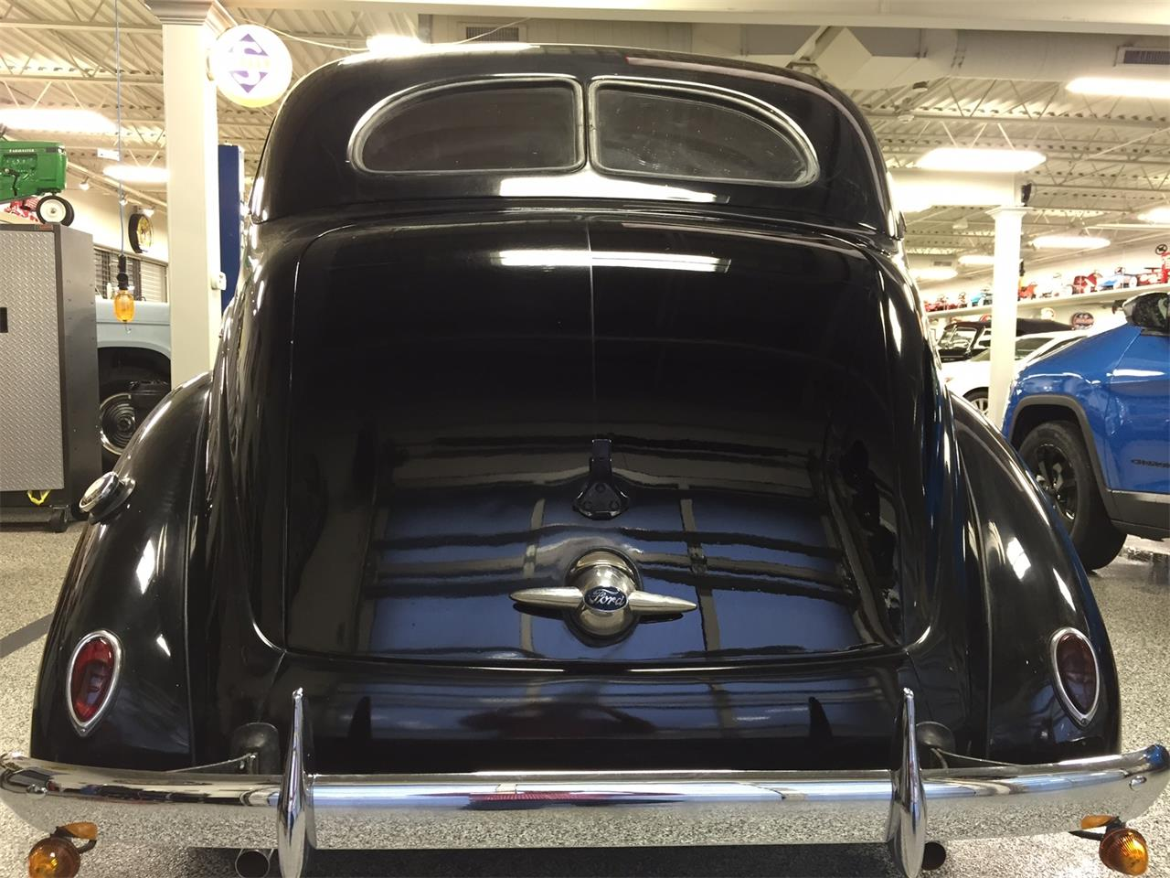 Large Picture of Classic 1938 Ford Sedan Auction Vehicle Offered by Smith Auctions LLC - LU5R