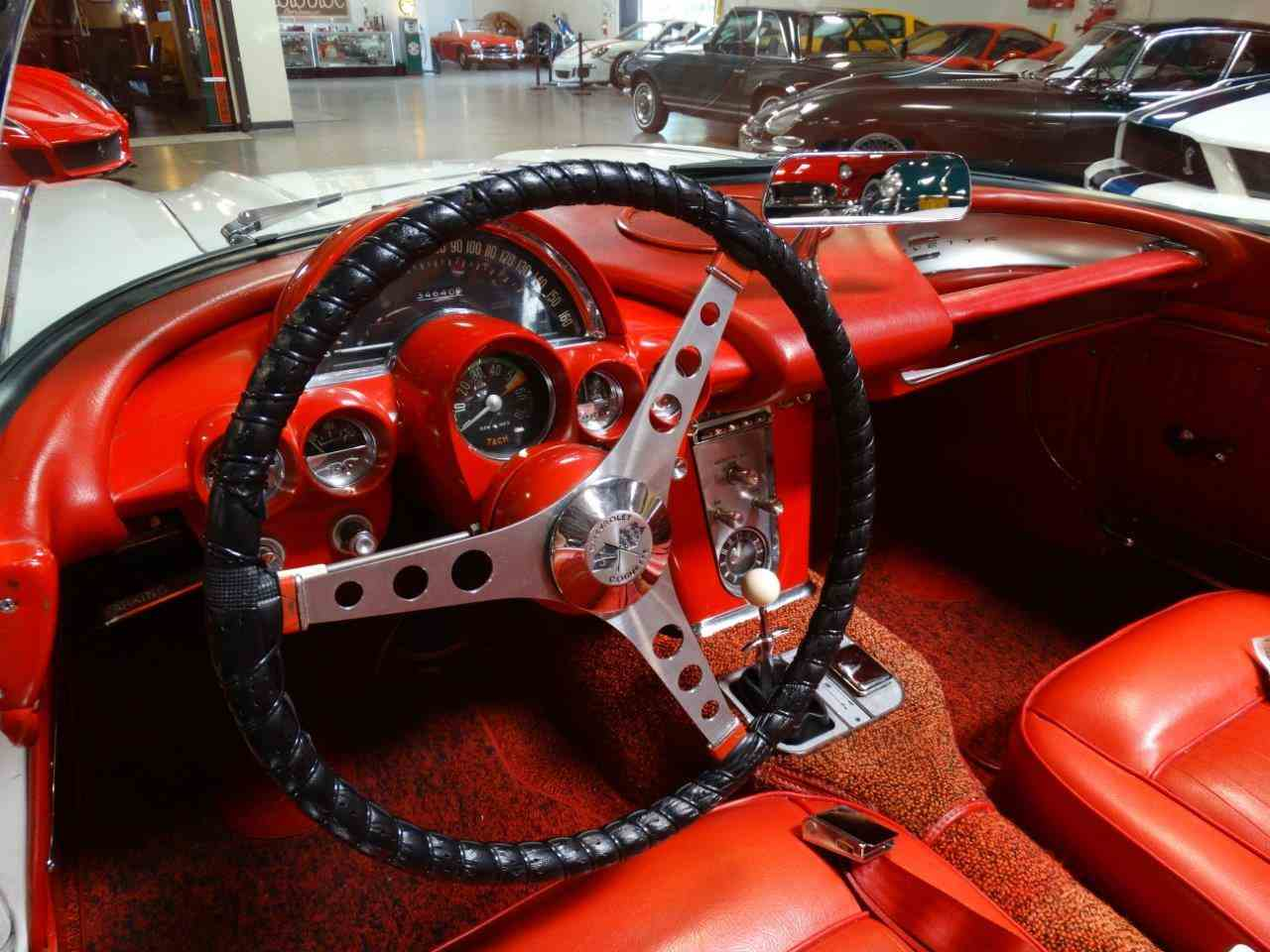 Large Picture of 1962 Chevrolet Corvette - LU6L
