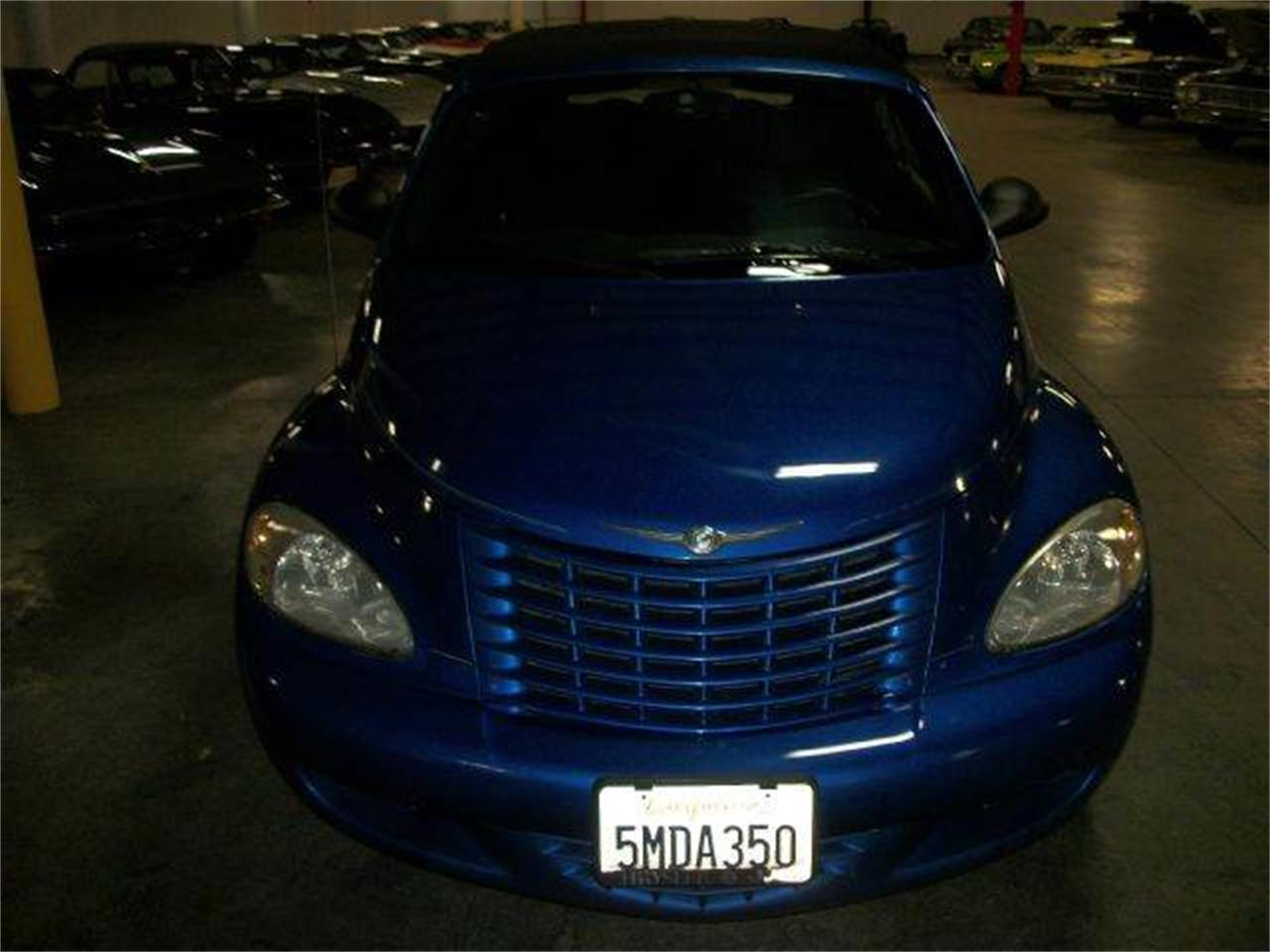 Large Picture of '05 Chrysler PT Cruiser located in Illinois Offered by Heartland Classics - LO0A