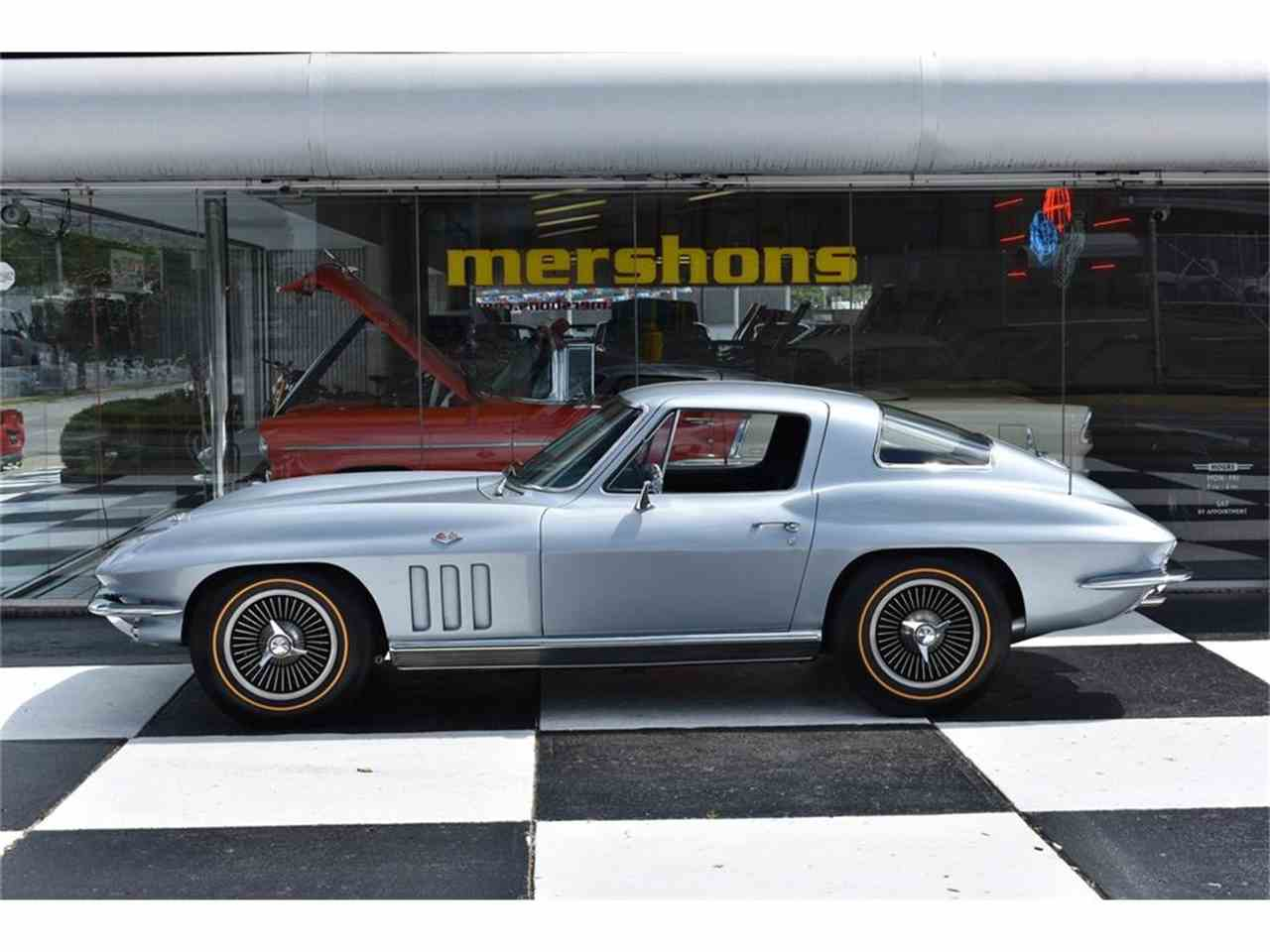 Large Picture of '66 Corvette - LUAX