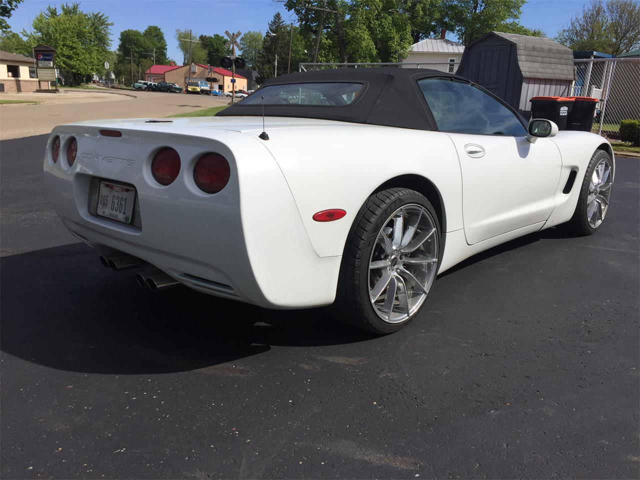 Large Picture of 2000 Corvette located in utica Ohio Offered by Phil Stalling Classic Cars - LUCB