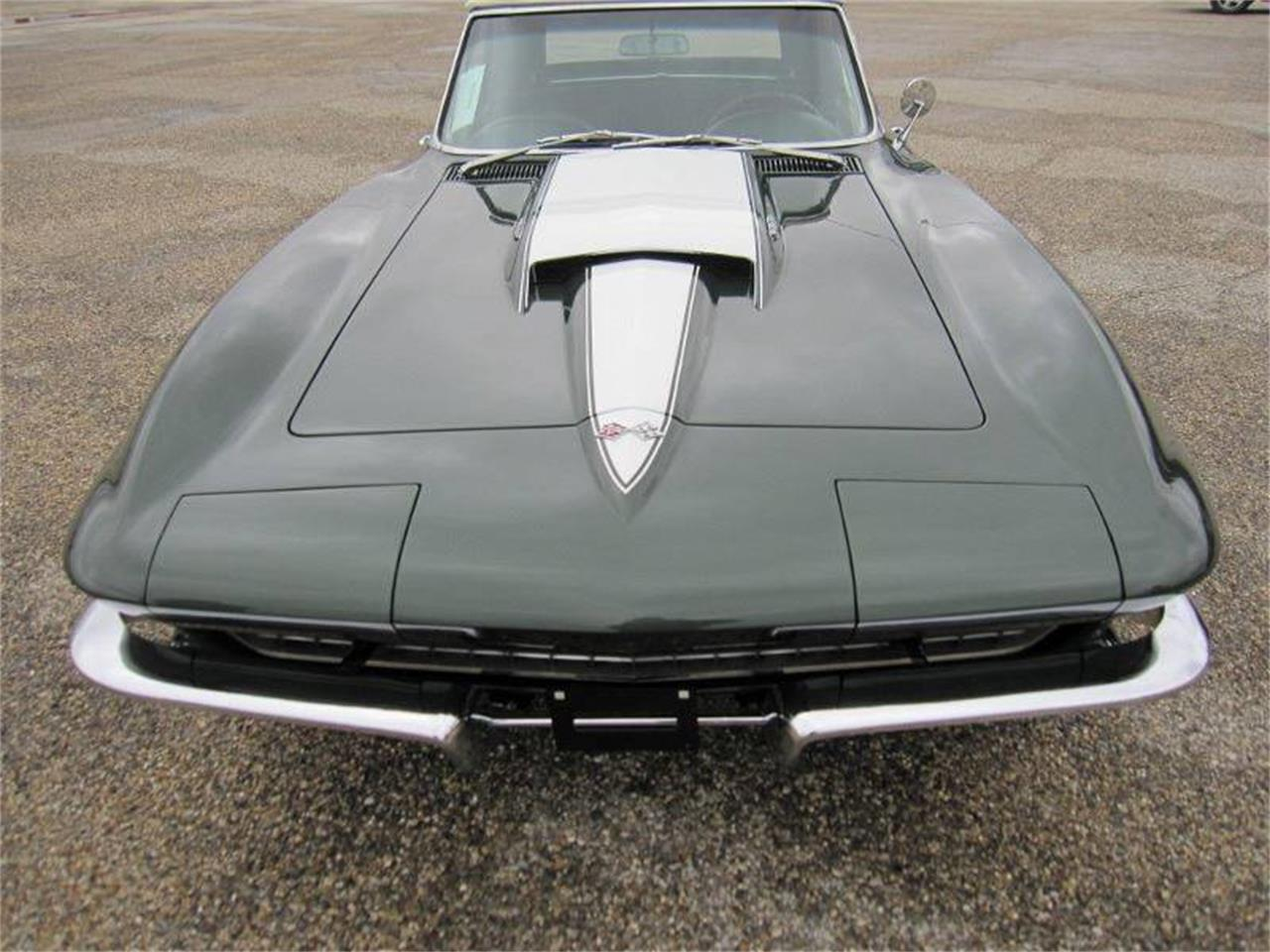 Large Picture of Classic '67 Corvette located in Effingham Illinois Offered by Heartland Classics - LO0W