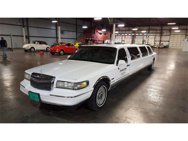 Picture of '97 Lincoln Town Car - LO10