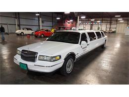 Picture of '97 Lincoln Town Car located in Illinois - $7,995.00 - LO10