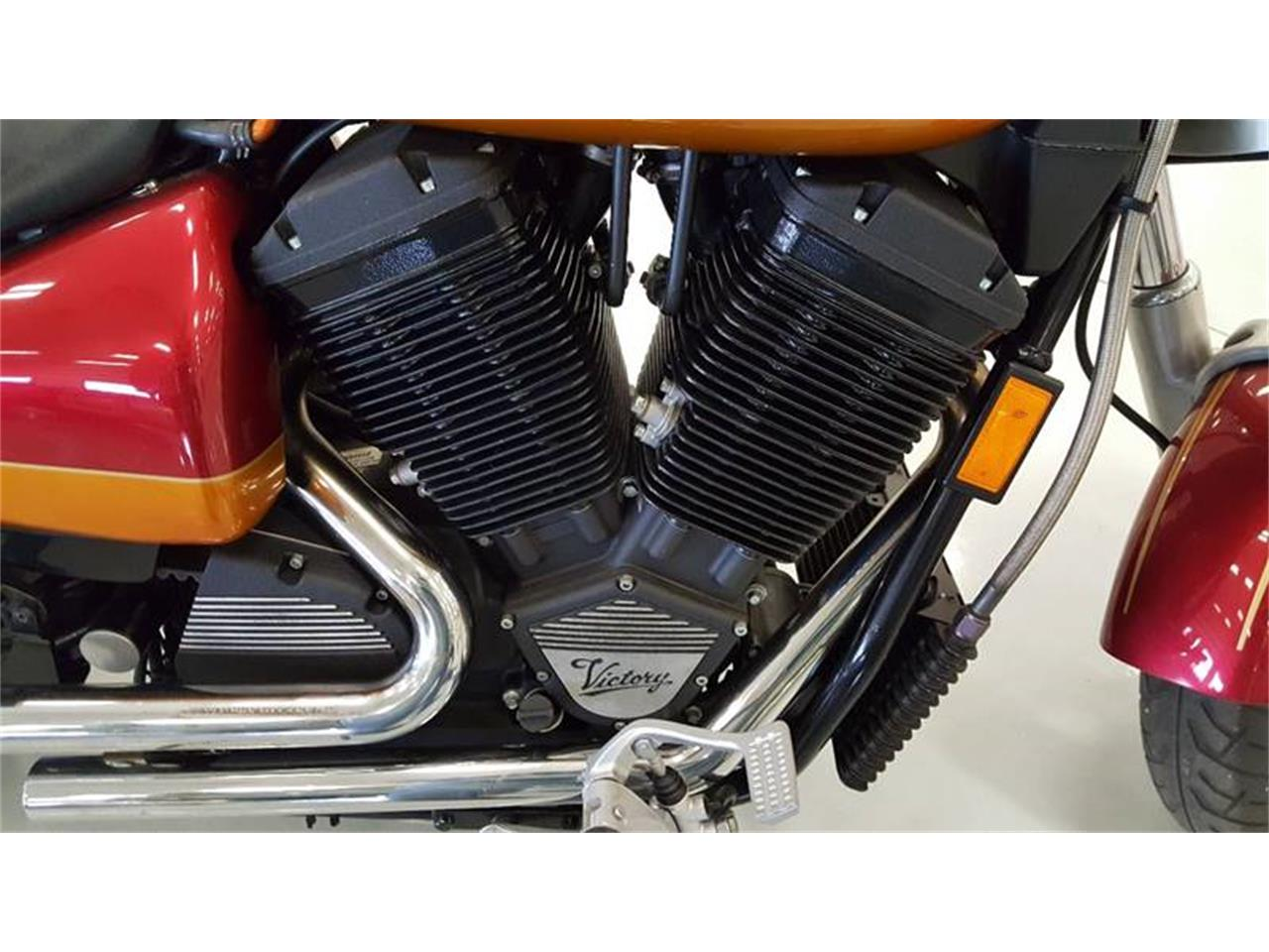 Large Picture of 2000 Victory Motorcycle - LO11