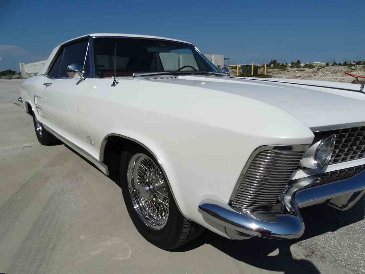 Large Picture of '64 Buick Riviera - LUJQ