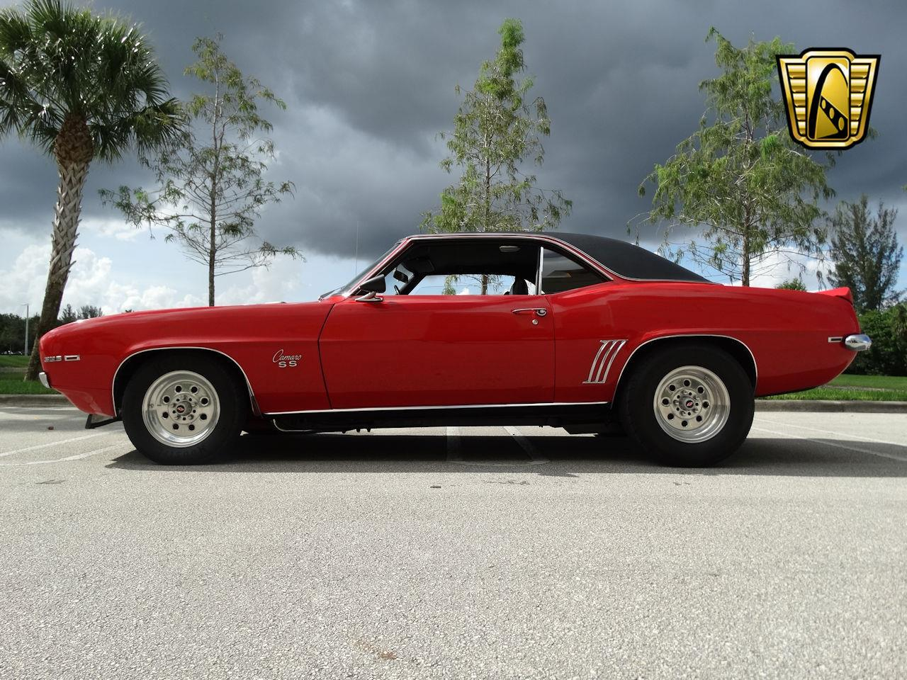 Large Picture of '69 Camaro - LUJR