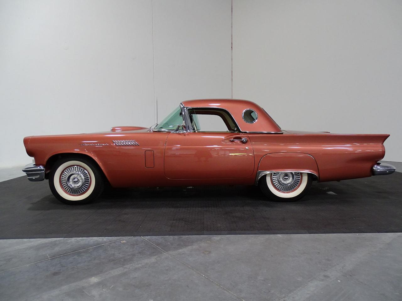 Large Picture of '57 Ford Thunderbird located in Houston Texas Offered by Gateway Classic Cars - Houston - LUKB