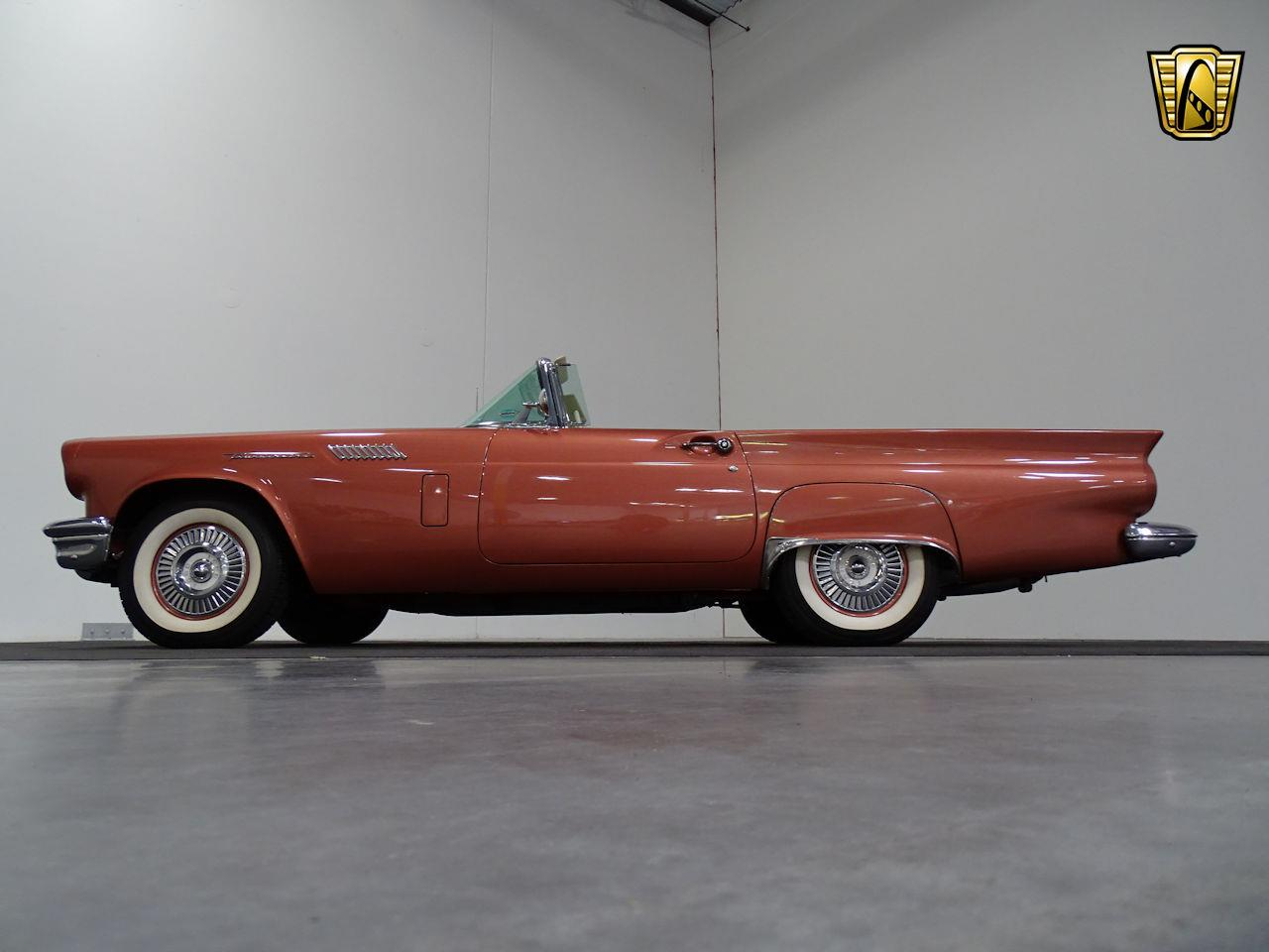 Large Picture of '57 Ford Thunderbird - LUKB