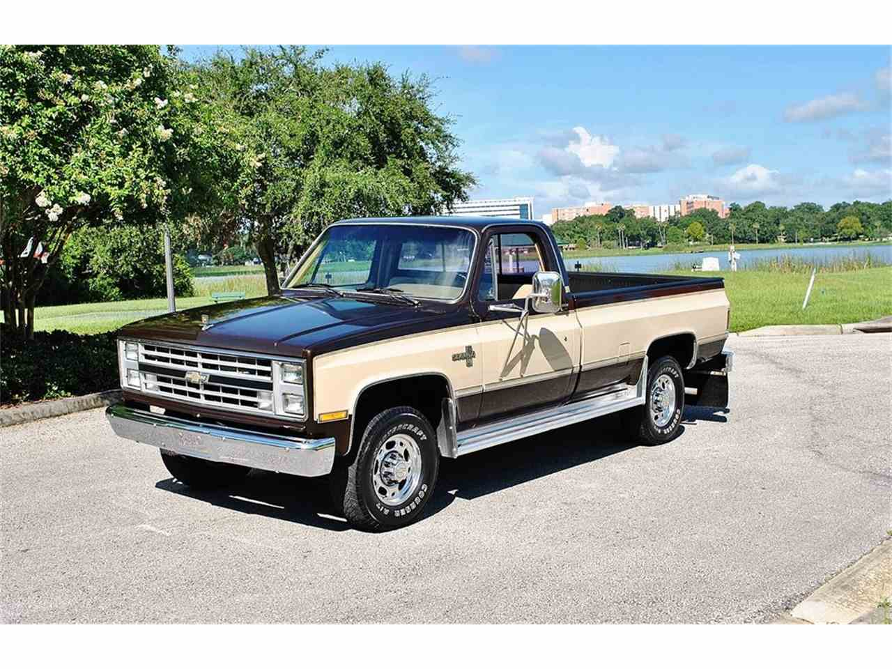 Large Picture of 1986 Chevrolet C/K 20 located in Lakeland Florida - $17,900.00 Offered by Primo Classic International LLC - LUL6