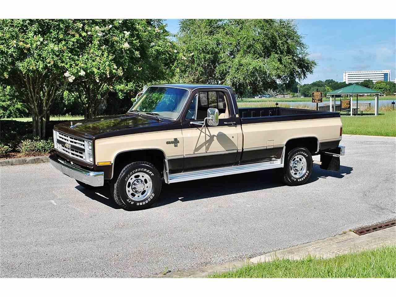 Large Picture of 1986 Chevrolet C/K 20 located in Lakeland Florida Offered by Primo Classic International LLC - LUL6