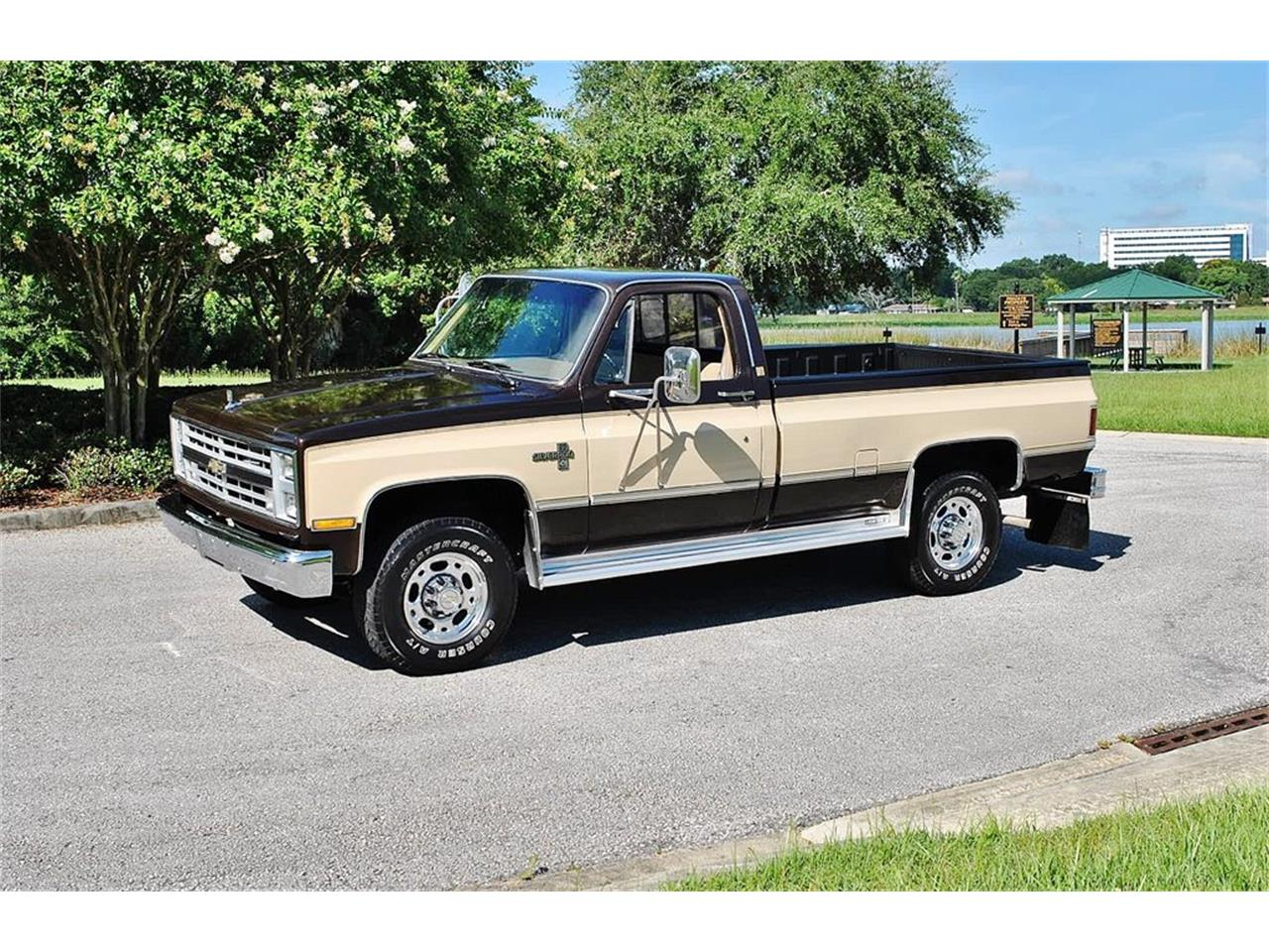 Large Picture of 1986 Chevrolet C/K 20 located in Florida - LUL6