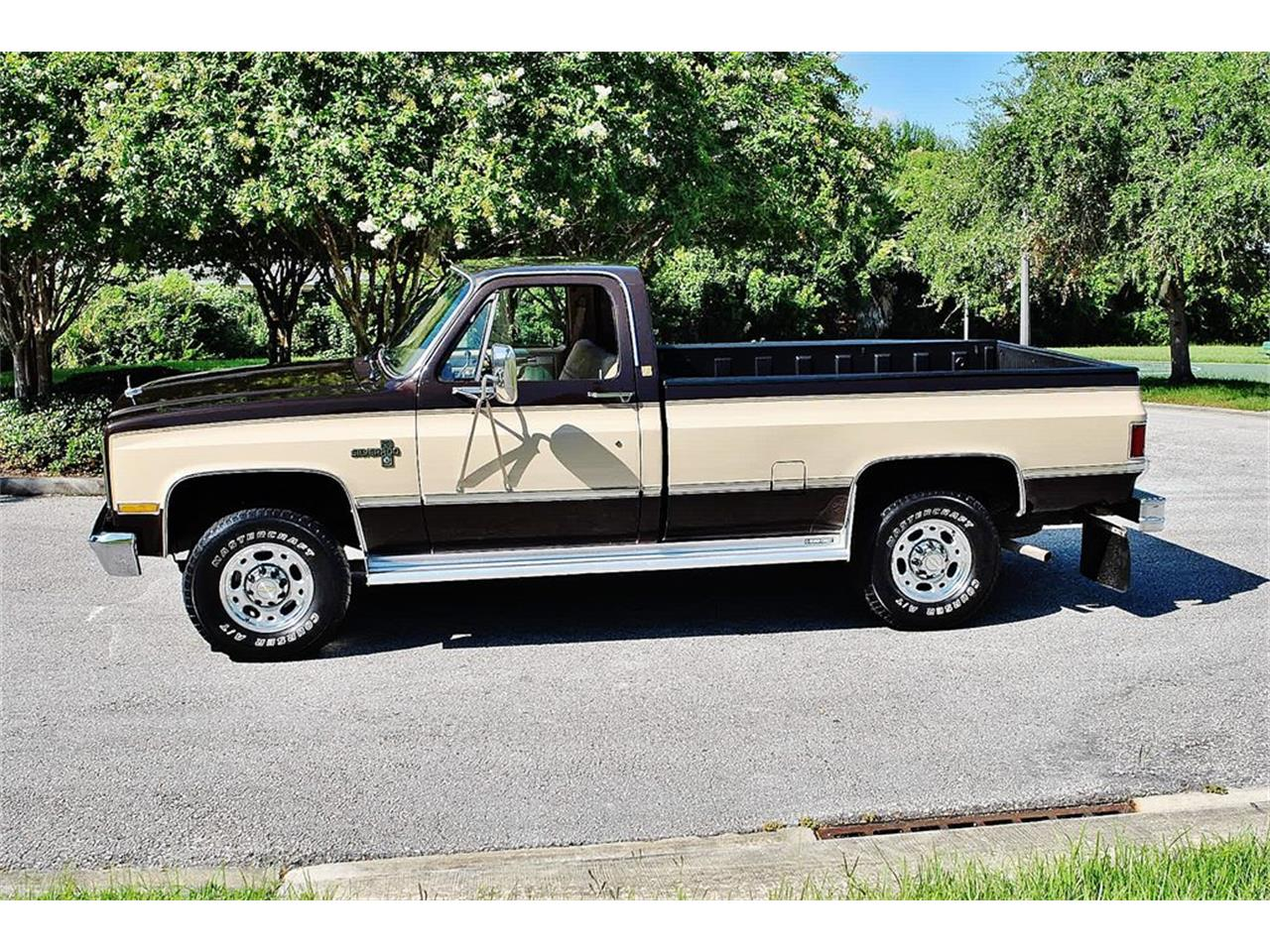 Large Picture of 1986 Chevrolet C/K 20 - $17,900.00 Offered by Primo Classic International LLC - LUL6