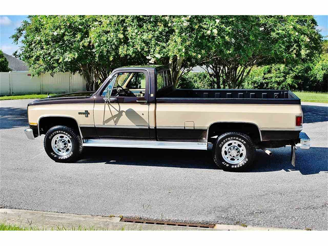 Large Picture of 1986 Chevrolet C/K 20 located in Florida - $17,900.00 Offered by Primo Classic International LLC - LUL6