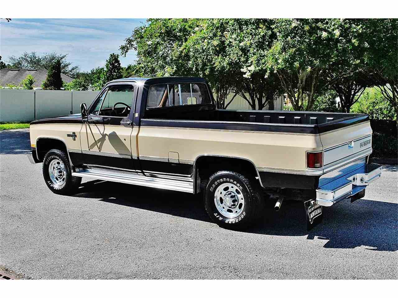 Large Picture of '86 Chevrolet C/K 20 - $17,900.00 Offered by Primo Classic International LLC - LUL6