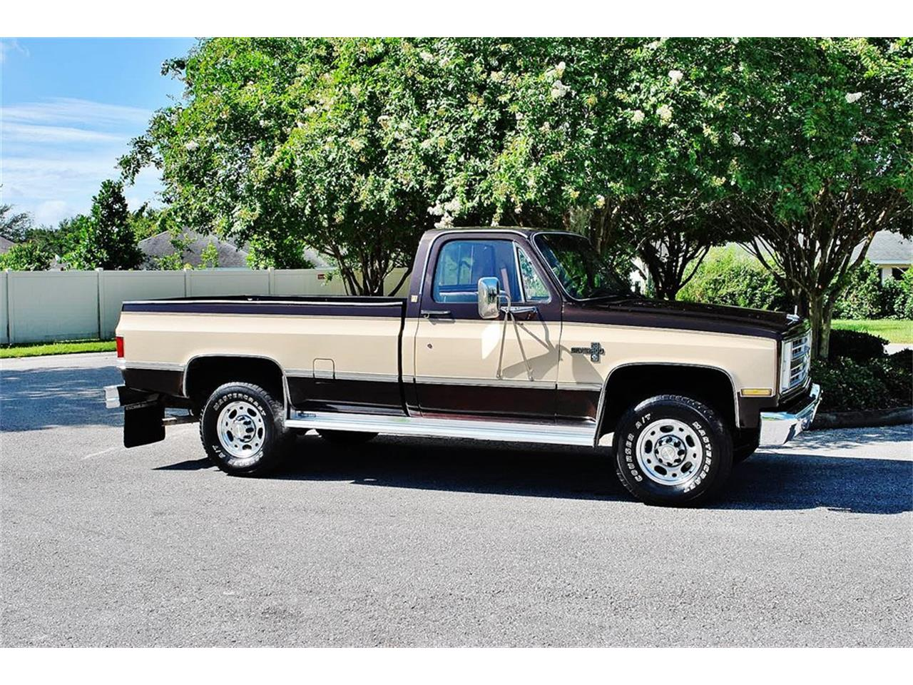 Large Picture of 1986 Chevrolet C/K 20 - $17,900.00 - LUL6