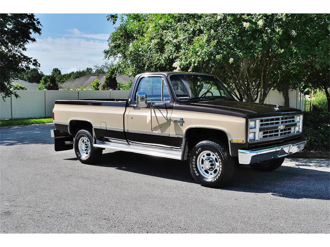Large Picture of '86 C/K 20 - $17,900.00 - LUL6