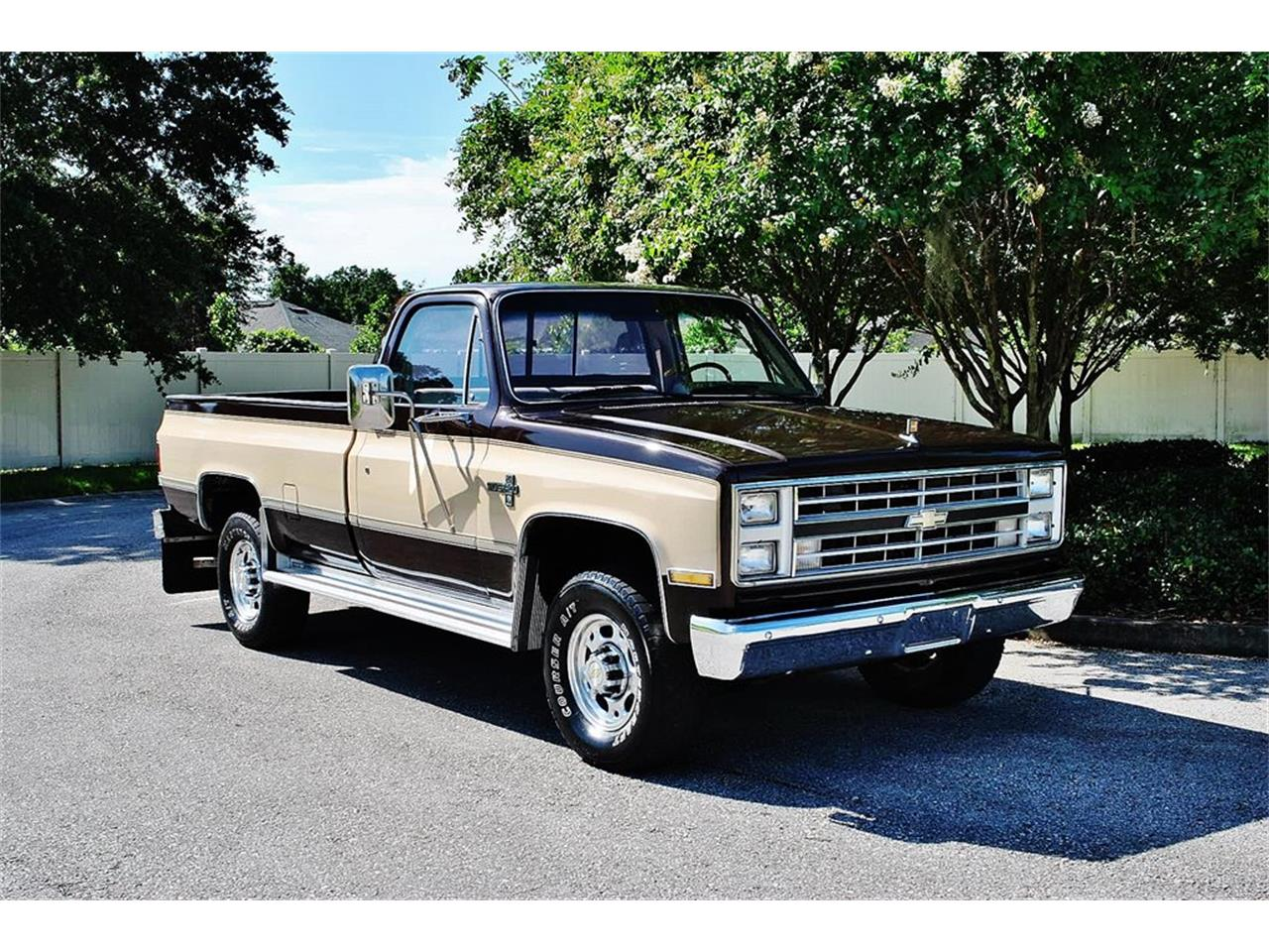 Large Picture of '86 Chevrolet C/K 20 located in Lakeland Florida - $17,900.00 - LUL6