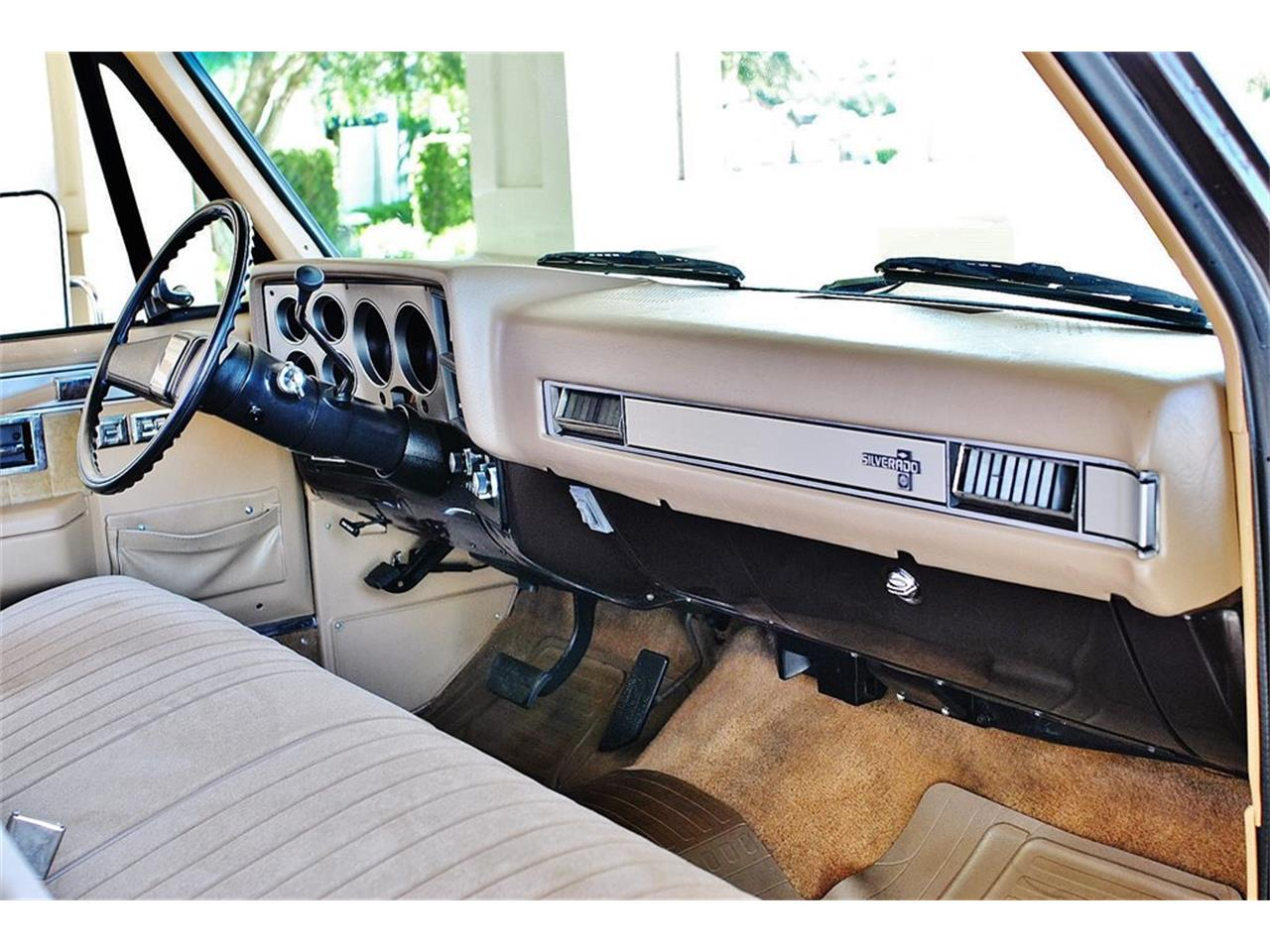 Large Picture of 1986 Chevrolet C/K 20 Offered by Primo Classic International LLC - LUL6