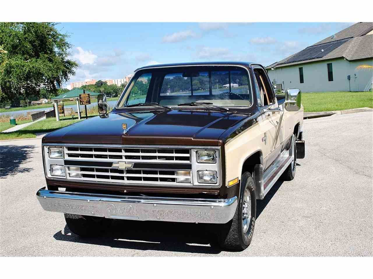 Large Picture of '86 Chevrolet C/K 20 - $17,900.00 - LUL6