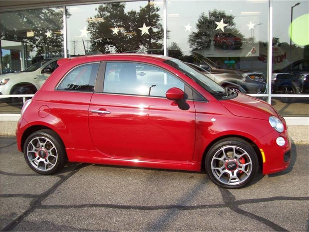 Large Picture of '13 Fiat 500L located in Holland Michigan - LULC