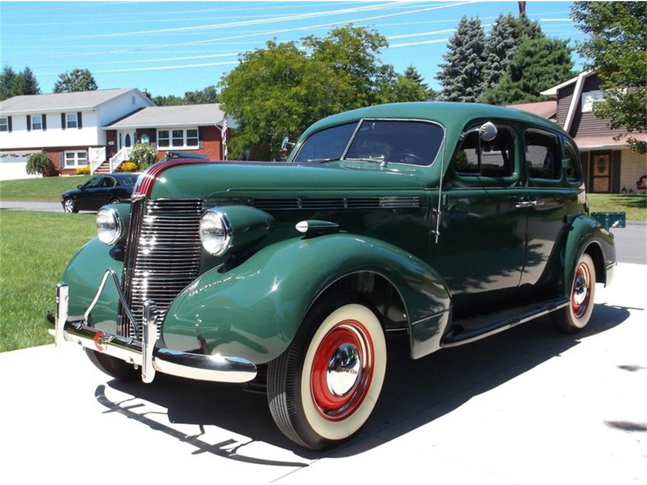 Large Picture of '37 Silverstreak Touring Sedan - LUN1