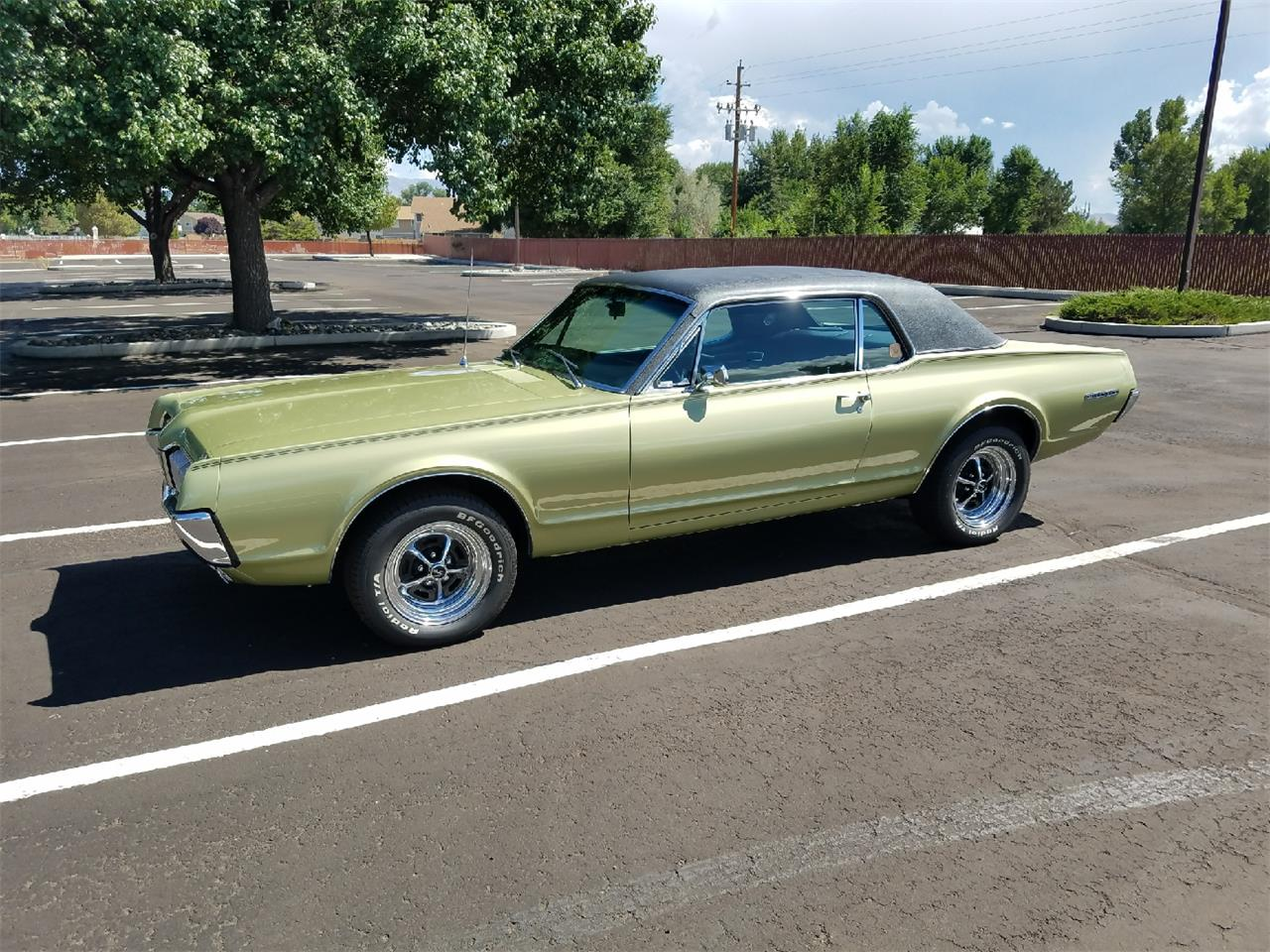 Large Picture of '67 Cougar - LUO6