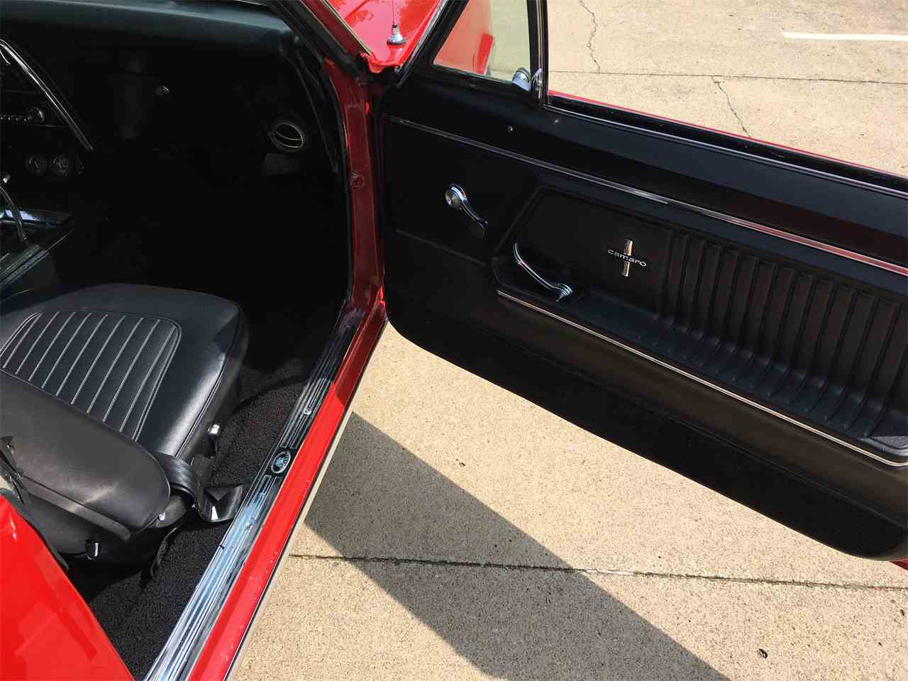 Large Picture of 1967 Camaro located in Missouri - LUOH