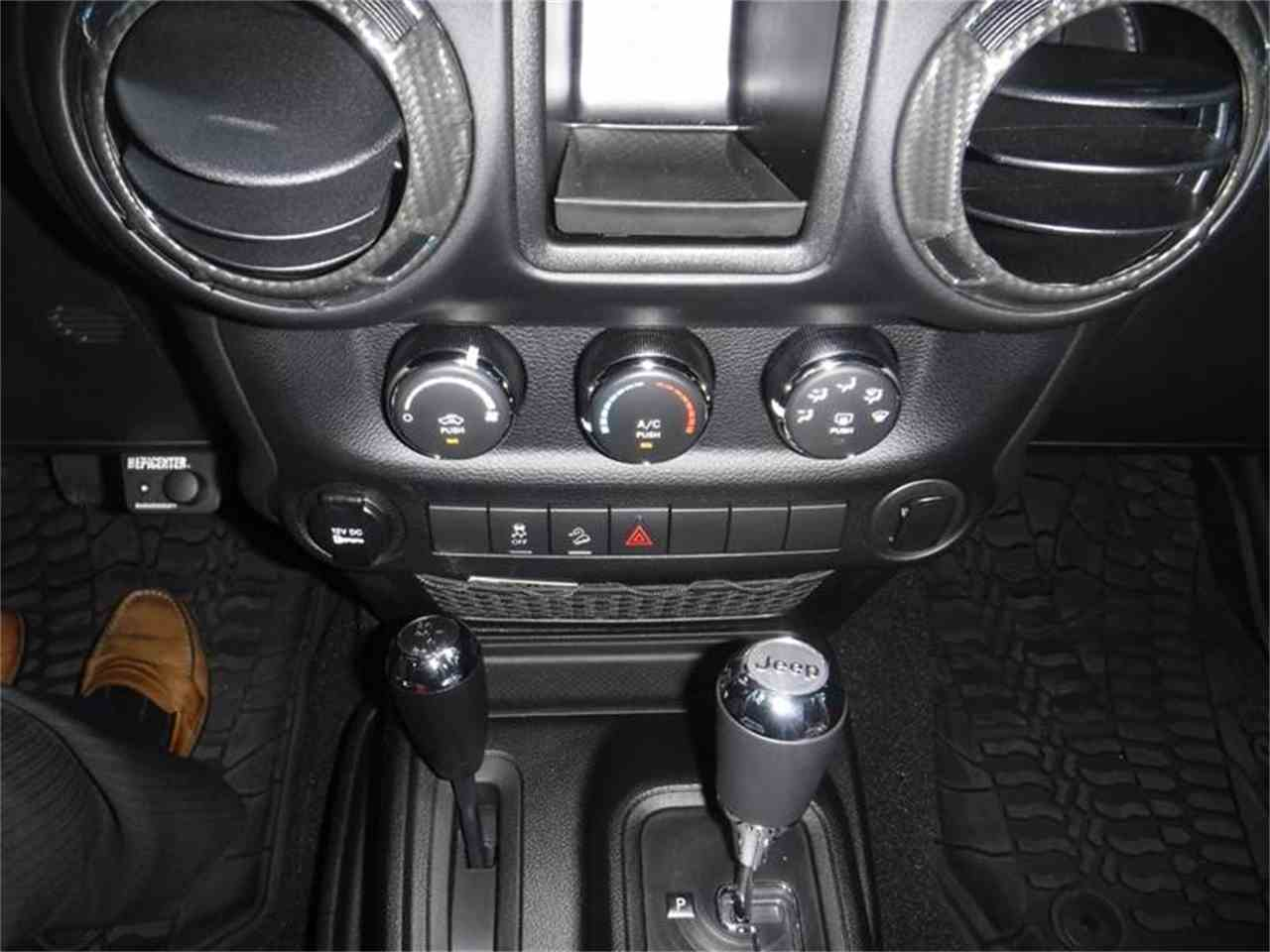 Large Picture of '17 Jeep Wrangler located in Thousand Oaks California - $40,995.00 - LUQ3