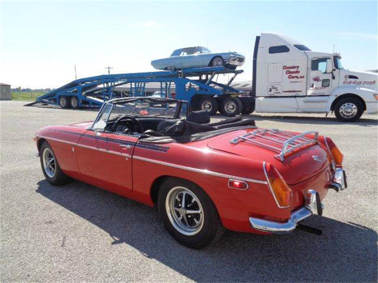 Large Picture of Classic 1970 MG MGB Offered by Country Classic Cars - LUQB