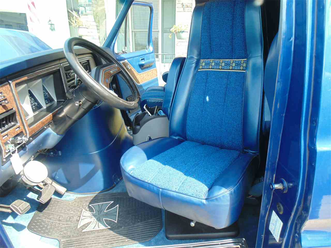Large Picture of '78 Econoline - LUSO