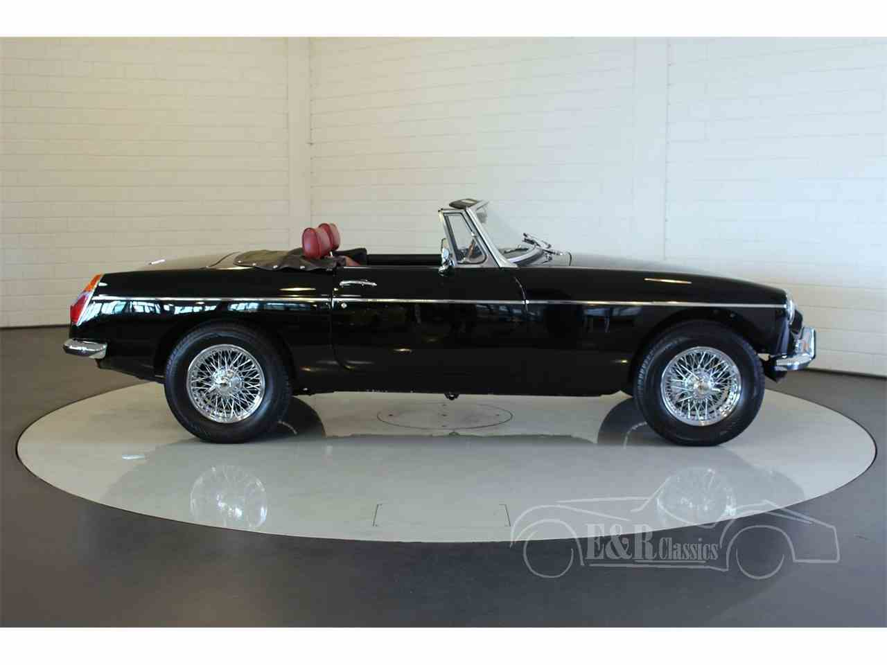 Large Picture of '79 MG MGB - $42,150.00 Offered by E & R Classics - LUV1