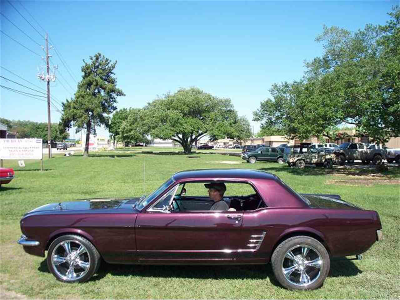 Large Picture of '66 Mustang - LUW0
