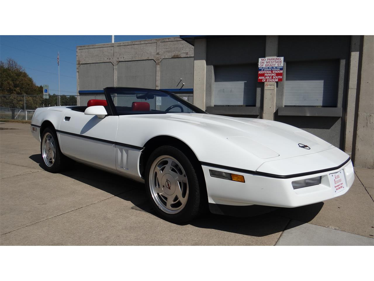 Large Picture of '89 Corvette - LUXT