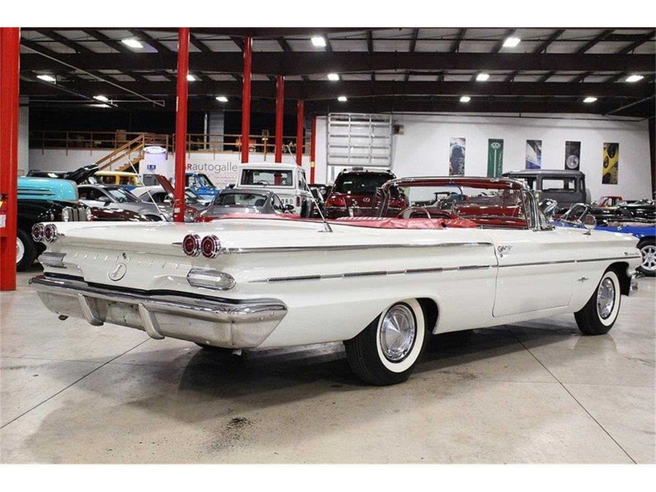 Large Picture of 1960 Pontiac Bonneville located in Michigan - $49,900.00 Offered by GR Auto Gallery - LUZH