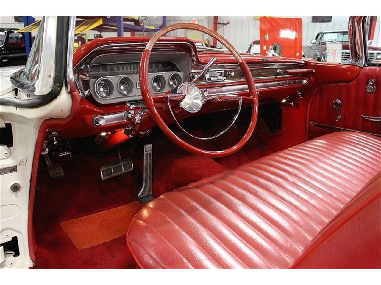 Large Picture of '60 Bonneville located in Michigan Offered by GR Auto Gallery - LUZH