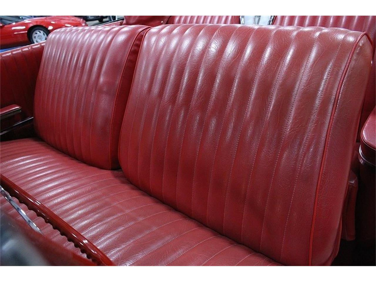 Large Picture of Classic 1960 Pontiac Bonneville located in Kentwood Michigan Offered by GR Auto Gallery - LUZH